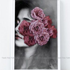 Tranh treo tường cô gái bên hoa hồng
