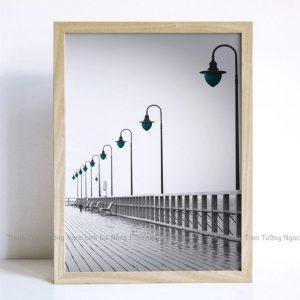 Tranh treo tường đèn và bến tàu