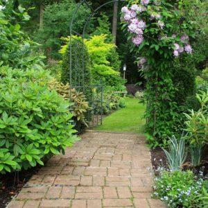 Tranh 3d dán tường khổ dọc đường vào khu vườn đẹp
